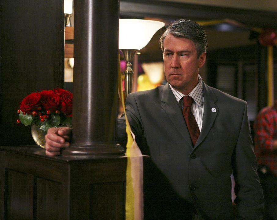 Versucht, die Party zu beenden: Dekan Bowman (Alan Ruck) ... - Bildquelle: ABC Family