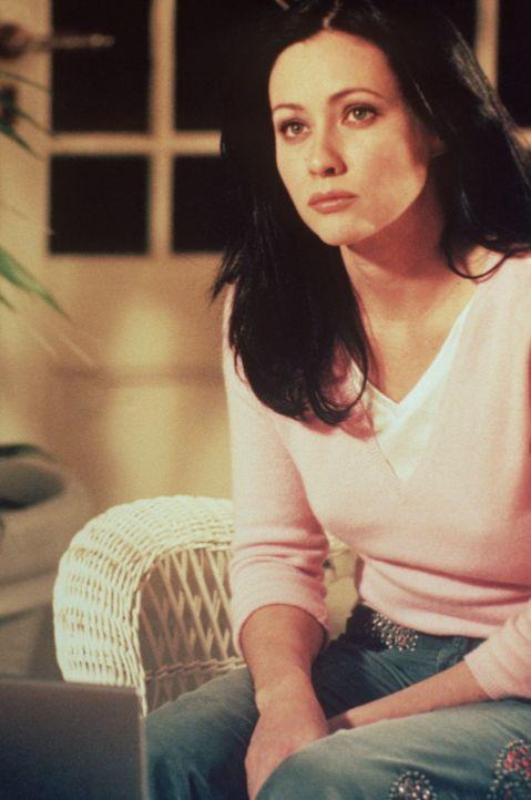 Prue (Shannen Doherty) willigt ein, Bane zu helfen. Nicht zuletzt deshalb, weil sie sich in Bane verliebt hat ... - Bildquelle: Paramount Pictures