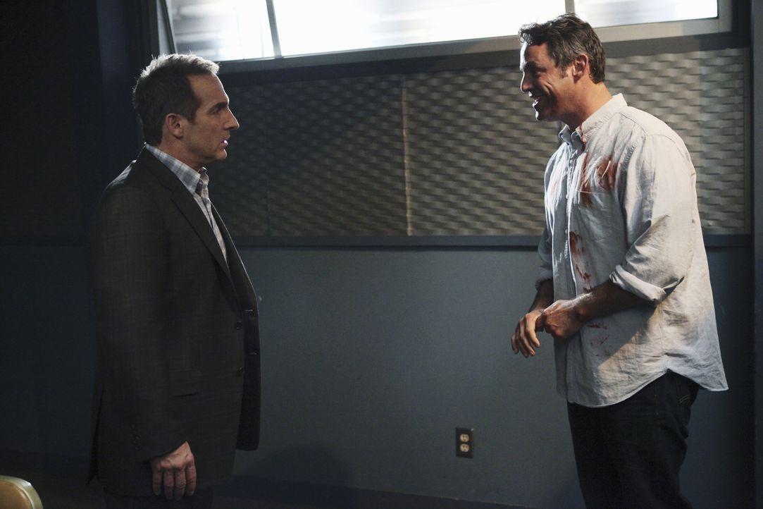 Während sich alle große Sorgen um Charlotte machen, muss Sheldon (Brian Benben, l.) Lee (Nicholas Brendon, r.) ärztlich betreuen, doch der hat eine... - Bildquelle: ABC Studios