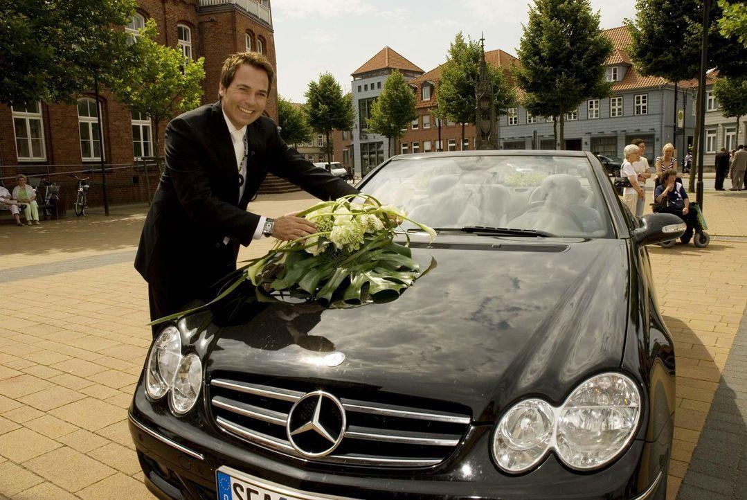 Frank Matthée ist Deutschlands bekanntester Weddingplaner! Er begleitet deutsche Paare auf ihrem Flug in den Ehe-Himmel ... - Bildquelle: ProSieben