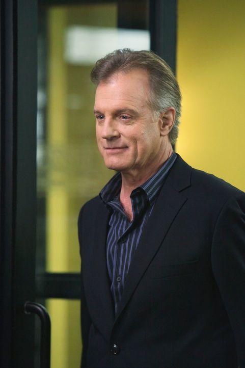 Addisons Vater (Stephen Collins) lernt ihre Kollegen kennen und findet gleich großen Gefallen an Violet ... - Bildquelle: ABC Studios