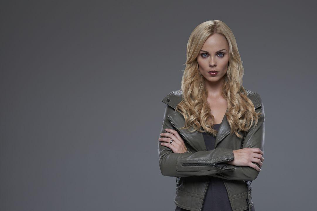 (2. Staffel) - Die schrecklichen Entwicklungen in der jüngsten Vergangenheit haben Elena (Laura Vandervoort) gezeigt, dass sie nur überleben kann, w... - Bildquelle: 2015 She-Wolf Season 2 Productions Inc.