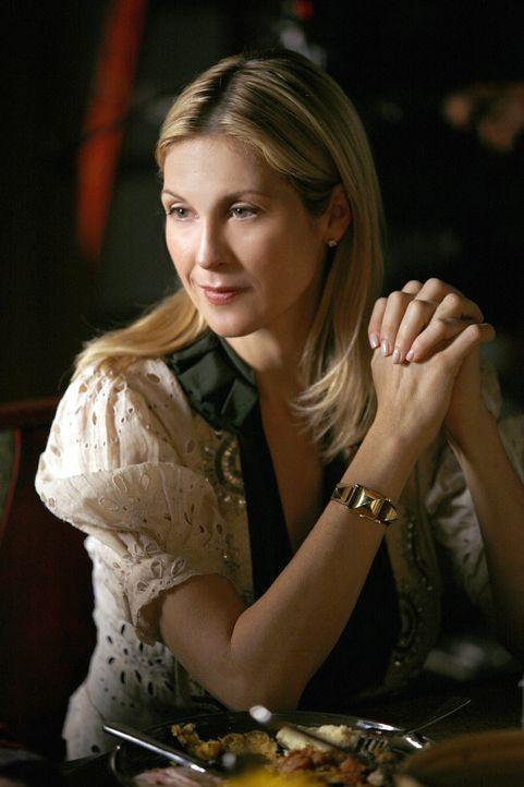 Beim gemeinsamen Essen kommen Details aus der Vergangenheit von Lily (Kelly Rutherford) ans Licht ... - Bildquelle: Warner Brothers