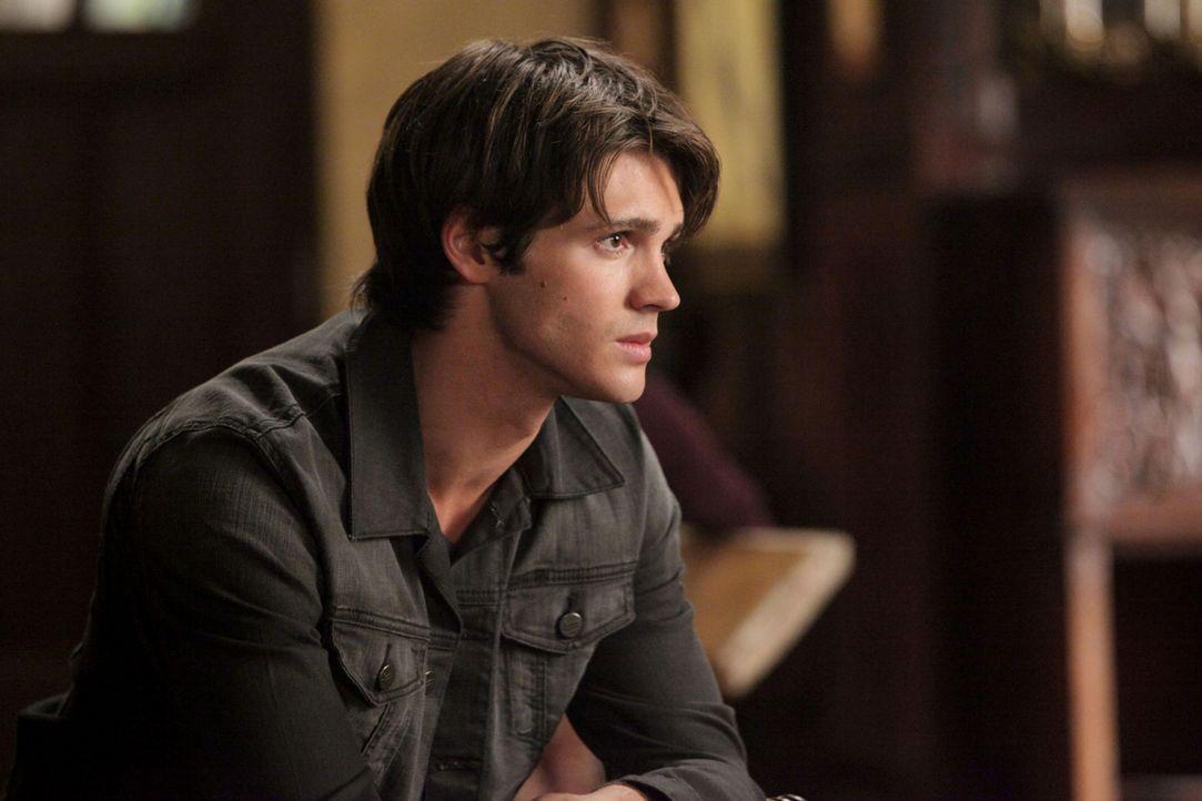 Obwohl seine große Schwester Elena dagegen ist, dass er sich an dem Kampf gegen Katherine beteiligt, lässt dieser sich nicht daran hindern: Jeremy G... - Bildquelle: Warner Brothers