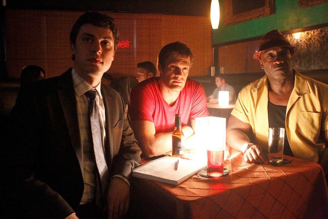 In einem Nachtclub auf Spurensuche: Walter Sherman (Geoff Stults, M.) und Leo Knox (Michael Clarke, r.) werden von Dr. Lance Sweets (John Francis Da... - Bildquelle: 2012 Twentieth Century Fox Film Corporation. All rights reserved.