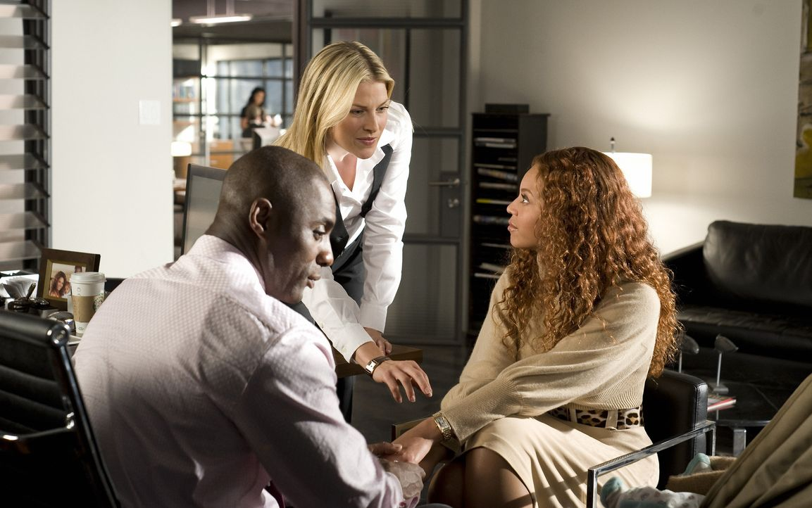 Die perfekte Familie: Vermögensverwalter Derek Charles (Idris Elba, l.), seine Frau Sharon (Beyoncé Knowles, r.) und der kleine Kyle. Doch dann beko... - Bildquelle: 2009 Screen Gems, Inc. All Rights Reserved.