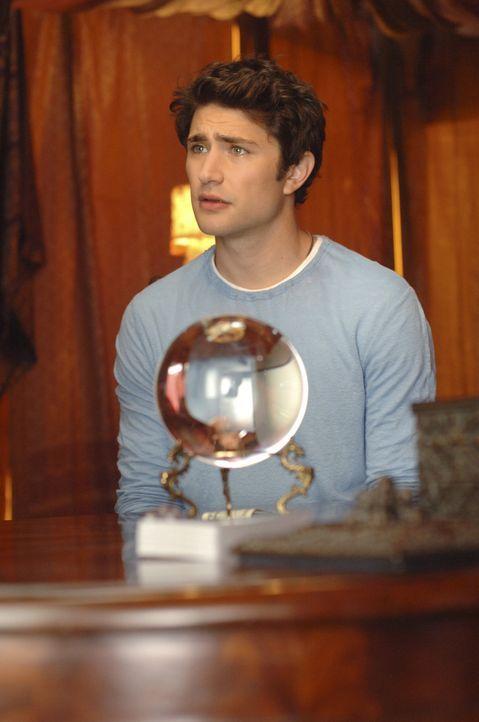 Eine Hellseherin sagt Kyle (Matt Dallas) vorher, dass seine Seelenverwandte noch am selben Abend in großer Gefahr schweben wird ... - Bildquelle: TOUCHSTONE TELEVISION