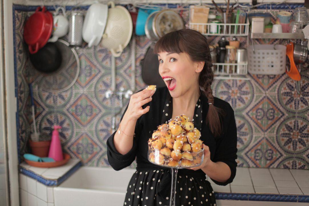 Schokolade und gesalzenes Karamell? Wer Rachel Khoos Rezepte nachmacht, muss sehr experimentierfreudig sein ... - Bildquelle: Daniel Lucchesi Plum Pictures 2012