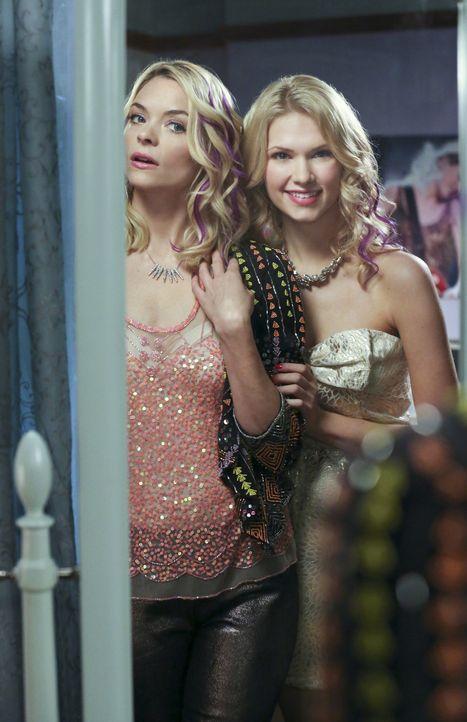 An dem Geschwister-Wochenende machen Lemon (Jaime King, l.) und Magnolia (Claudia Lee, r.) vor nichts Halt ... - Bildquelle: Warner Bros.