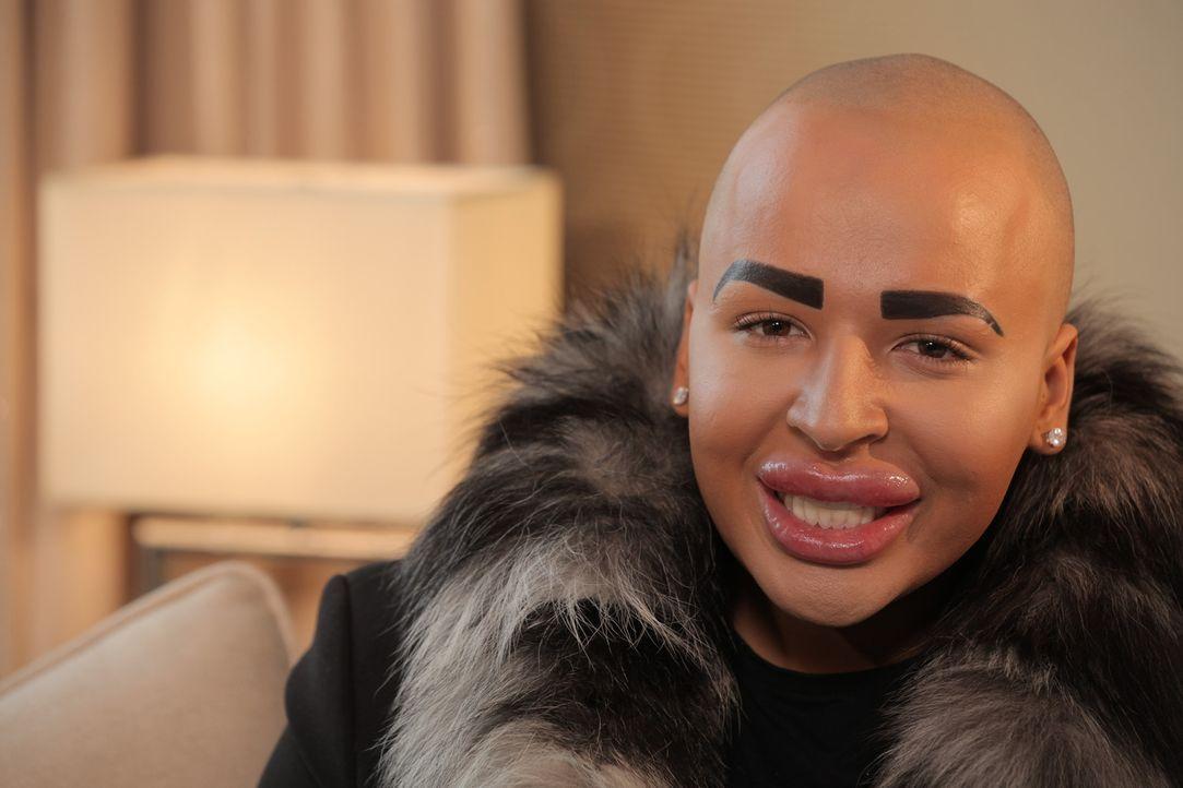 Jordan hat 70.000 Euro ausgegeben, um auszusehen wie Kim Kardashian. Was treibt einen jungen Mann dazu, seinen Körper so zu modifizieren? - Bildquelle: Remarkable 2015