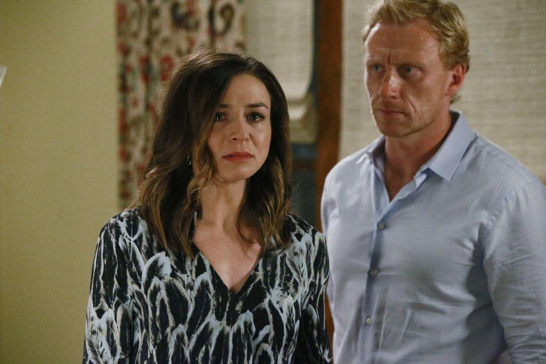 Nachdem Amelia (Caterina Scorsone, l.) erfahren hat, wer Penny ist, ist sie außer sich. Owen (Kevin McKidd, r.) versucht alles, um sie zu beruhigen,... - Bildquelle: Mitchell Haaseth ABC Studios