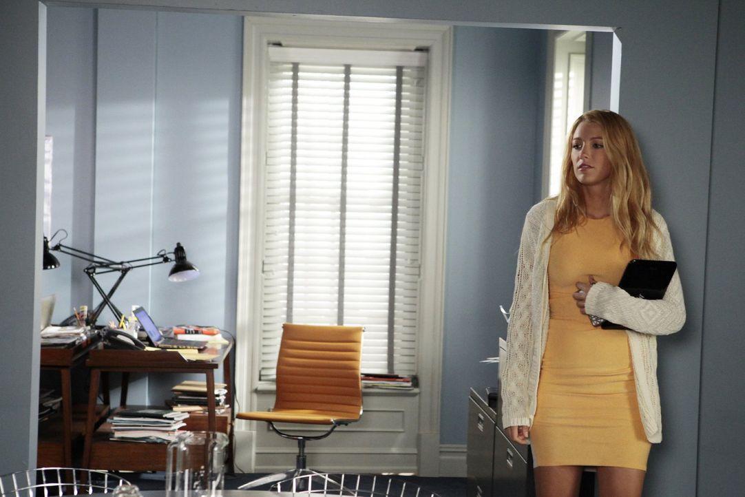 Bekommt durch Dans Buch Probleme im Job: Serena (Blake Lively) ... - Bildquelle: Warner Bros. Television