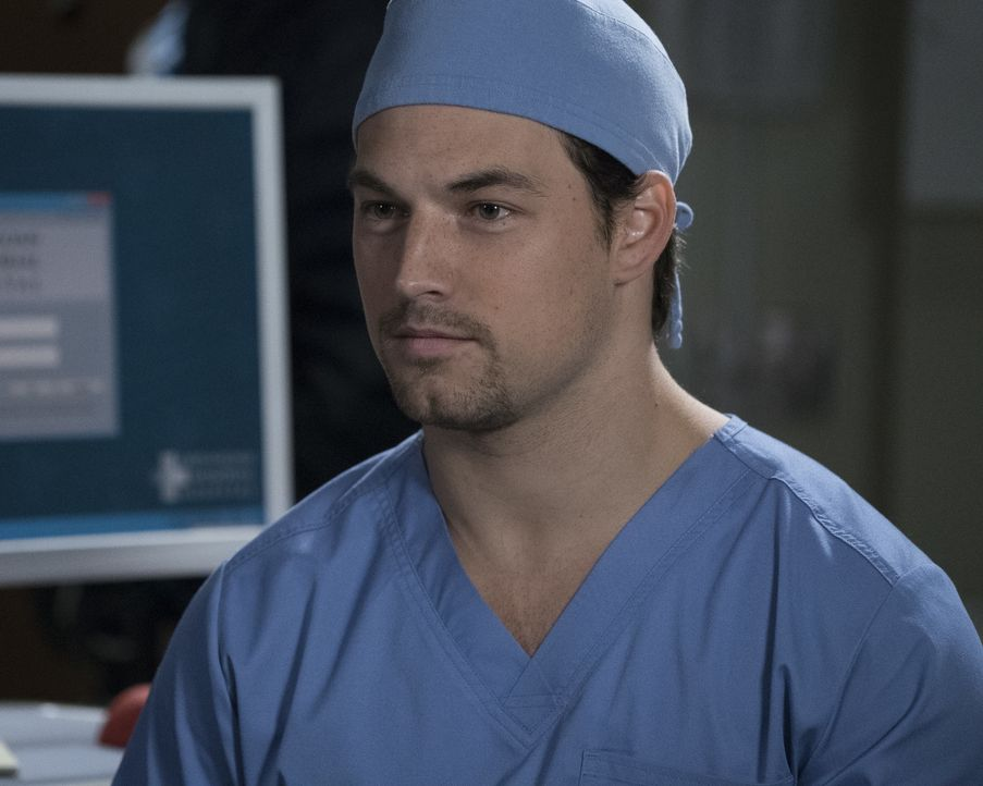 Während DeLuca (Giacomo Gianniotti) nach einem Weg sucht, Sam zu helfen, versucht Alex seine Patientin Kimmie zu überzeugen, die Behandlung nicht fr... - Bildquelle: Richard Cartwright 2017 American Broadcasting Companies, Inc. All rights reserved./Richard Cartwright
