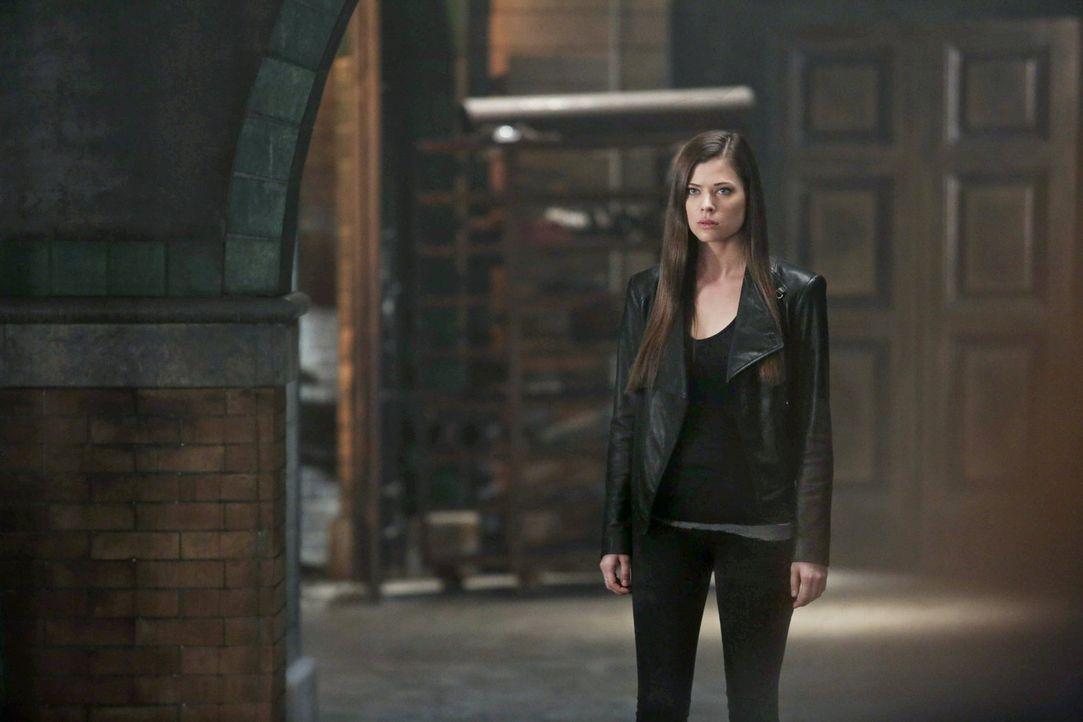 Als Anführerin muss Cara (Peyton List) einige wichtige Entscheidungen treffen ... - Bildquelle: Warner Bros. Entertainment, Inc