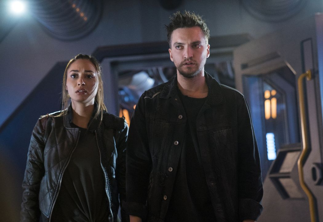 (v.l.n.r.) Raven (Lindsey Morgan); Murphy (Richard Harmon) - Bildquelle: Colin Bentley 2018 The CW Network, LLC. All rights reserved./Colin Bentley