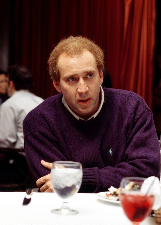 """Der Drehbuchautor Charlie Kaufman (Nicolas Cage), dessen Drehbuch zu """"Being John Malkovich"""" mehrere Auszeichnungen erhalten hat, ist ein Neurotiker... - Bildquelle: 2003 Sony Pictures Television International"""