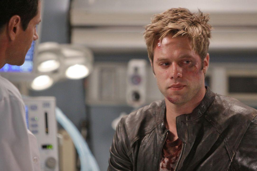 David (Shaun Sipos) sollte besser aufpassen mit welchen Leuten er arbeitet... - Bildquelle: 2009 The CW Network, LLC. All rights reserved.