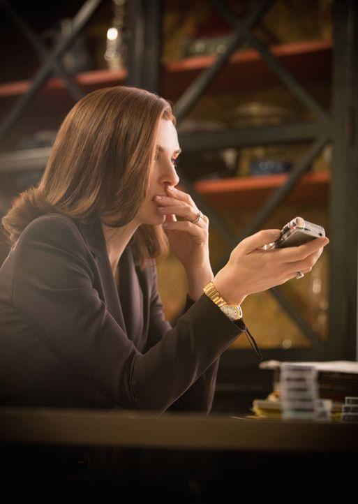 Kann ein neuer Fall eines ehemaligen Klienten Alicia (Julianna Margulies) aus ihrem depressiven Loch herausholen? - Bildquelle: 2012 CBS Broadcasting Inc. All Rights Reserved.