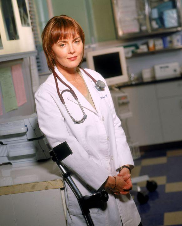 (8. Staffel) - Mit Chefärztin Kerry Weaver (Laura Innes) sollte man sich nicht anlegen ... - Bildquelle: WARNER BROS