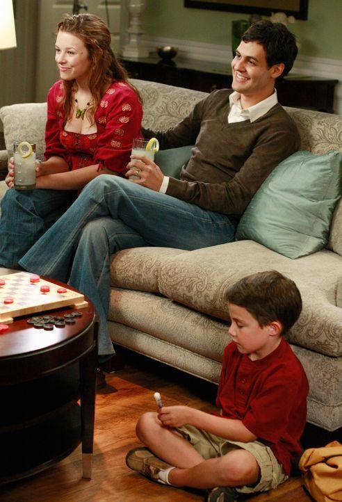 Bei einem Besuch von Danielle (Joy Lauren, l.), ihrem Mann Leo (Andrew Leeds, M.) und ihrem Sohn Benjamin (Jake Soldera, r.) kommt es zwischen Mutte... - Bildquelle: ABC Studios