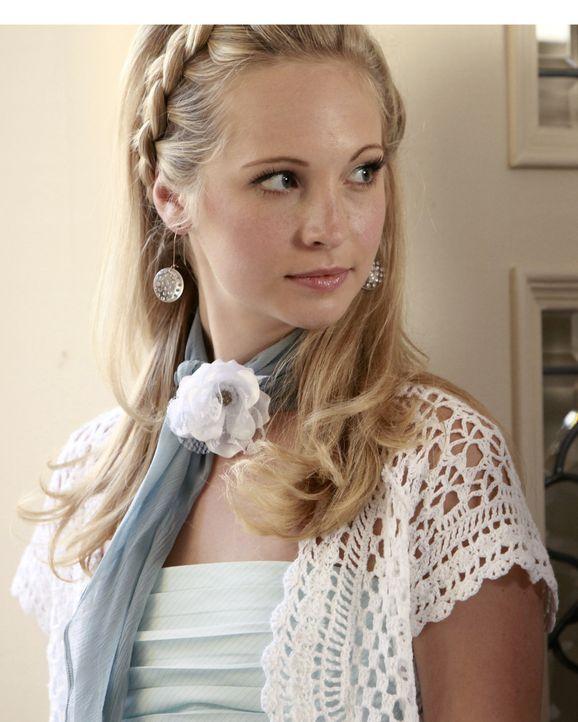 Noch ahnt Caroline (Candice Accola) nicht, dass sie sich in großer Gefahr befindet. - Bildquelle: Warner Bros.