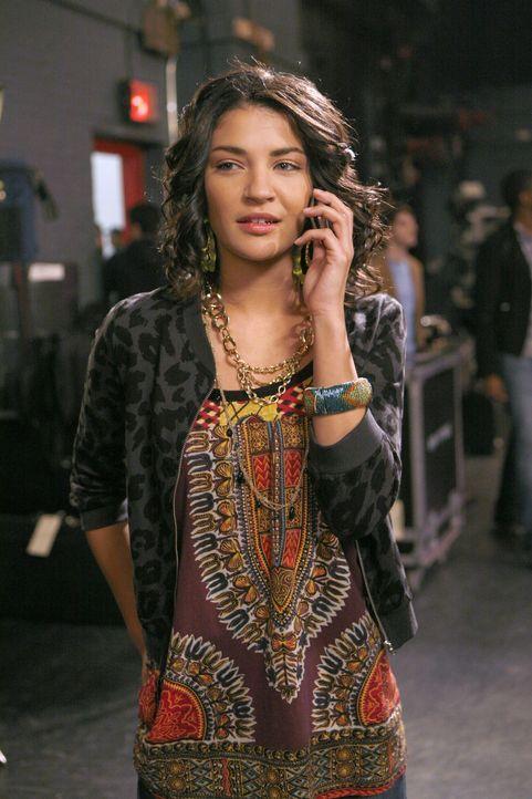 Vanessa (Jessica Szohr) hat von Nate die Wahrheit über Georgina erfahren und will Dan warnen, doch er glaubt ihr nicht ... - Bildquelle: Warner Bros. Television