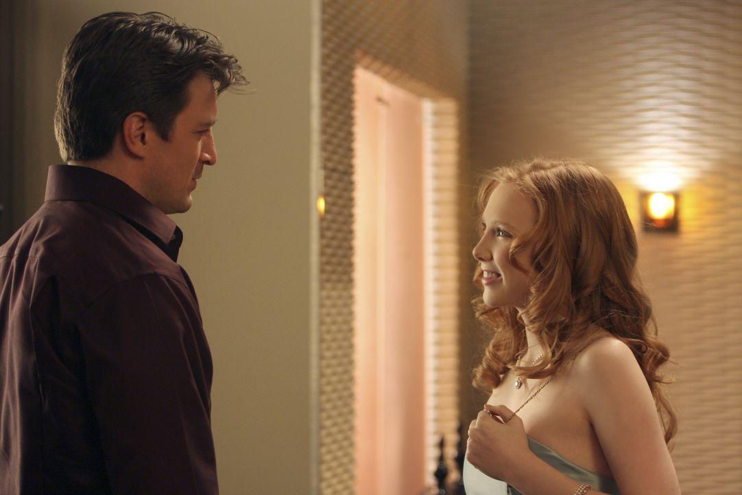 Die väterlichen Ratschläge von Richard (Nathan Fillion, l.) bringen Alexis (Molly C. Quinn, r.) zum Schmunzeln ... - Bildquelle: ABC Studios