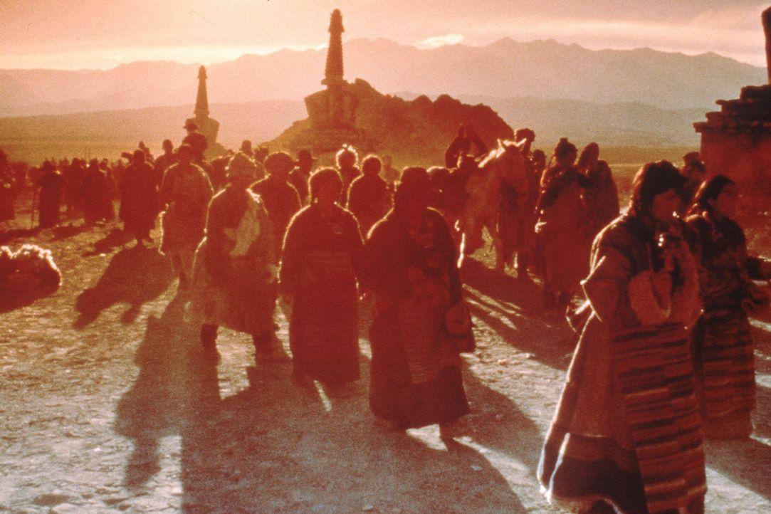 Die raue Schönheit der Landschaft im Himalaja verzaubert Heinrich unmerklich. Auf der Flucht vor den Engländern, die ihn als Österreicher nach Au... - Bildquelle: TriStar Pictures