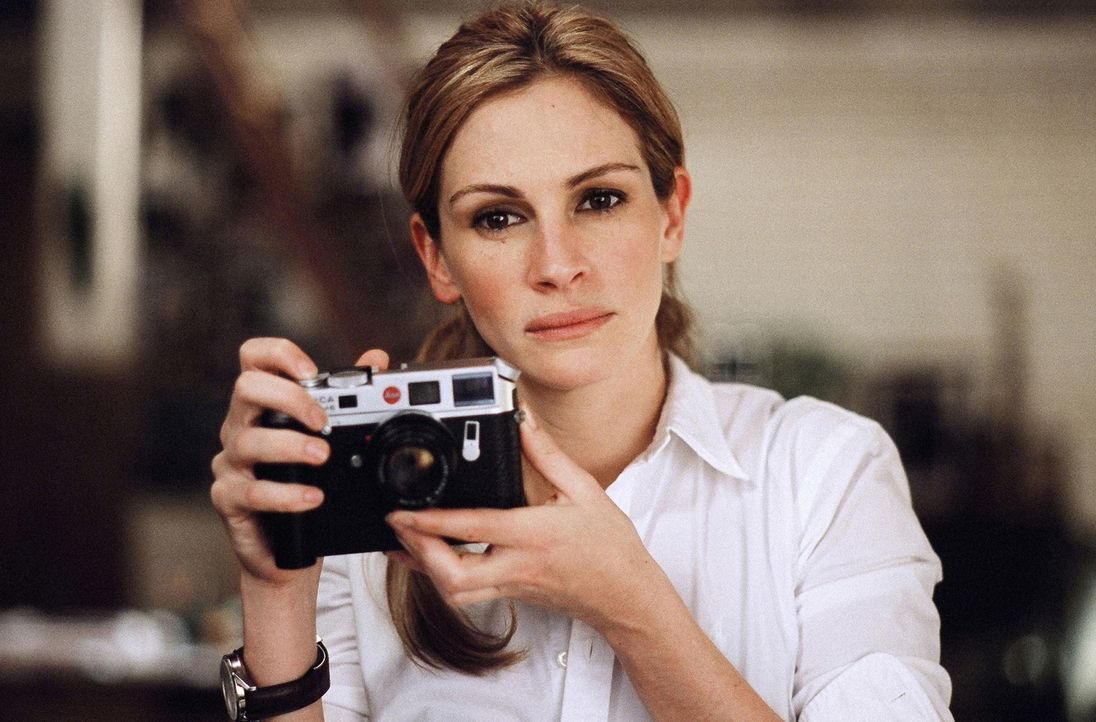 Frisch geschieden, aber beruflich sehr, sehr erfolgreich: Fotografin Anna (Julia Roberts) ... - Bildquelle: Sony Pictures Television International. All Rights Reserved.