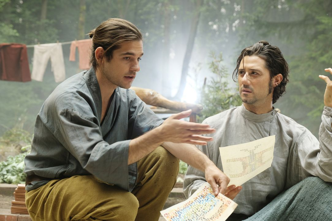 Quentin (Jason Ralph, l.) Eliot (Hale Appleman, r.) - Bildquelle: Eric Milner 2018 Syfy Media Productions LLC. ALL RIGHTS RESERVED./Eric Milner