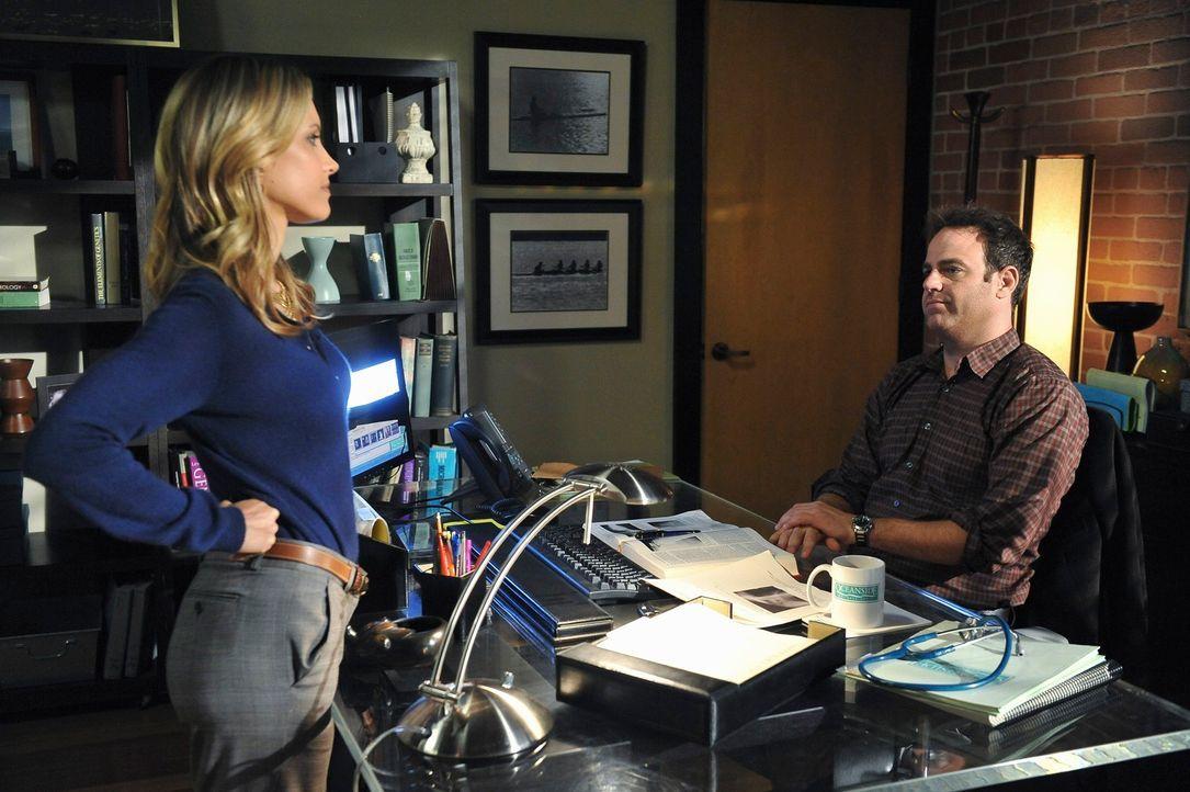Charlotte (KaDee Strickland, l.) und Cooper (Paul Adelstein, r.) machen sich Gedanken über eigenen Nachwuchs ... - Bildquelle: ABC Studios