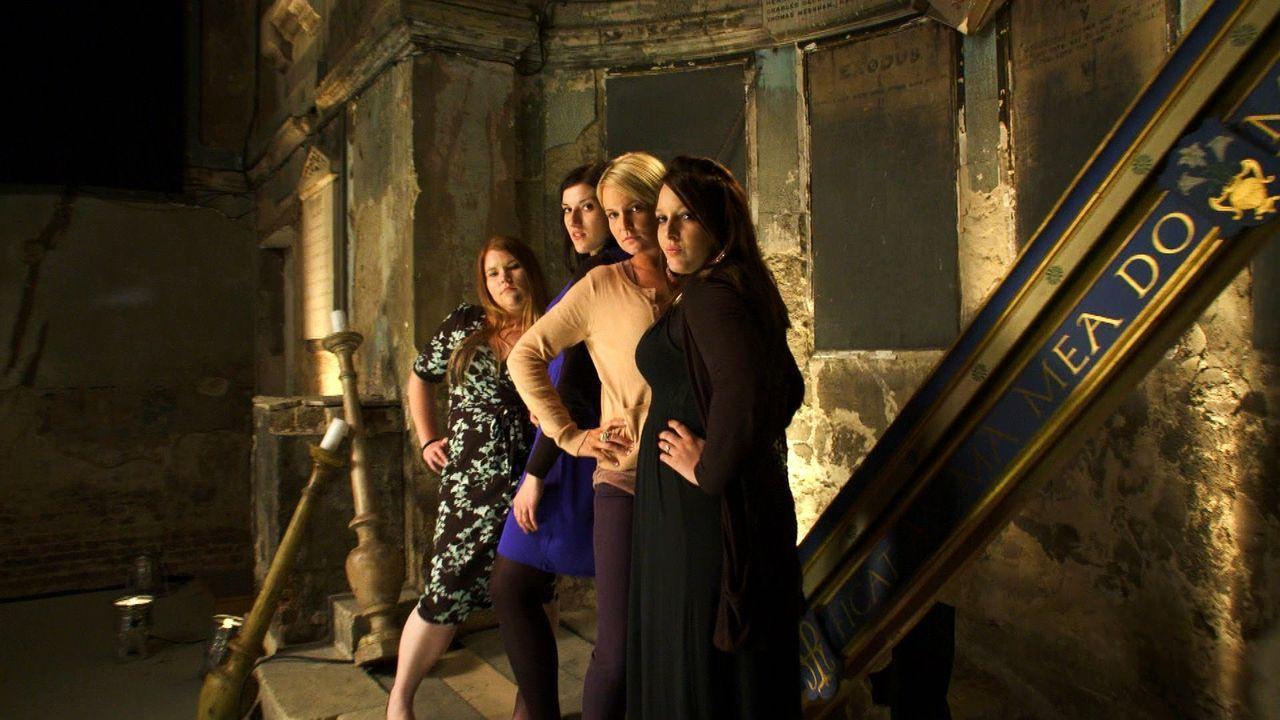 (4. Staffel) - Welche Braut trägt das schönste Kleid? Wer hat die leckerste Hochzeitstorte? Welches Paar hat die ergreifendste Hochzeitszeremonie? V... - Bildquelle: ITV Studios Limited 2011