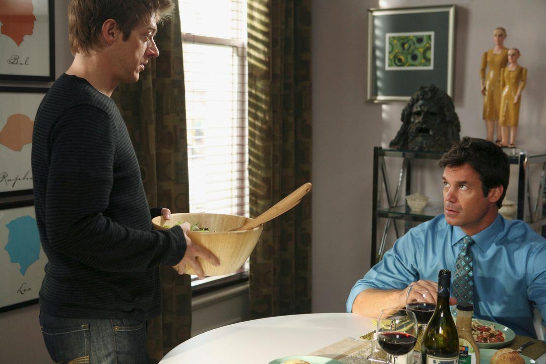 Die Nachbarschaft bekommt weiteren Zuwachs durch ein homosexuelles Pärchen aus der Stadt, Lee (Kevin Rahm, r.) und Bob (Tuc Watkins, l.). Da Susan d... - Bildquelle: ABC Studios