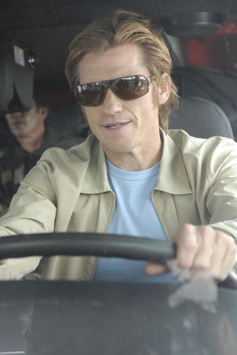 Tommy (Denis Leary) zeigt Valerie auf eindringliche Weise, an was für einer Art von Beziehung er interessiert ist ... - Bildquelle: 2007 Sony Pictures Television Inc. All Rights Reserved