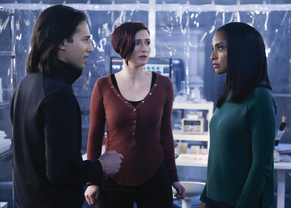 (v.l.n.r.) Querl (Jesse Rath); Alex (Chyler Leigh); Kelly (Azie Tesfai) - Bildquelle: Diyah Pera 2018 The CW Network, LLC. All Rights Reserved.