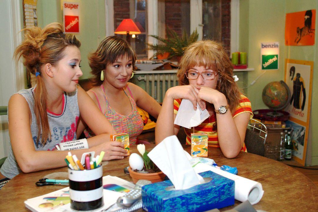 Lisa (Alexandra Neldel, r.) kann auch bei Hannah (Laura Osswald, l.) und Yvonne (Bärbel Schleker, M.) keinen richtigen Trost finden, nachdem Jürge... - Bildquelle: Monika Schürle Sat.1