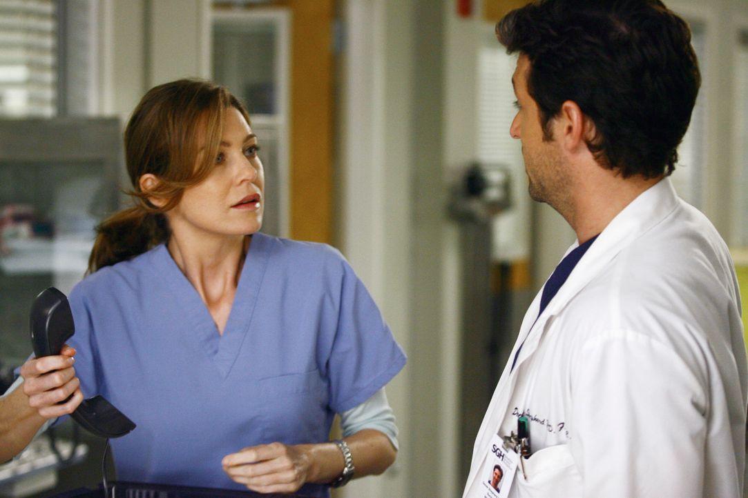 Meredith (Ellen Pompeo, l.) ist überrascht, dass Derek (Patrick Dempsey, r.) ihre Halbschwester Lexie kennt ... - Bildquelle: Touchstone Television