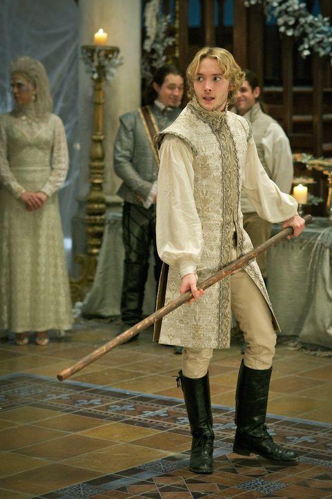 Wird misstrauisch, weil Condés Gefühle für Mary immer offensichtlicher werden: König Francis (Toby Regbo) ... - Bildquelle: Sven Frenzel 2014 The CW Network, LLC. All rights reserved.
