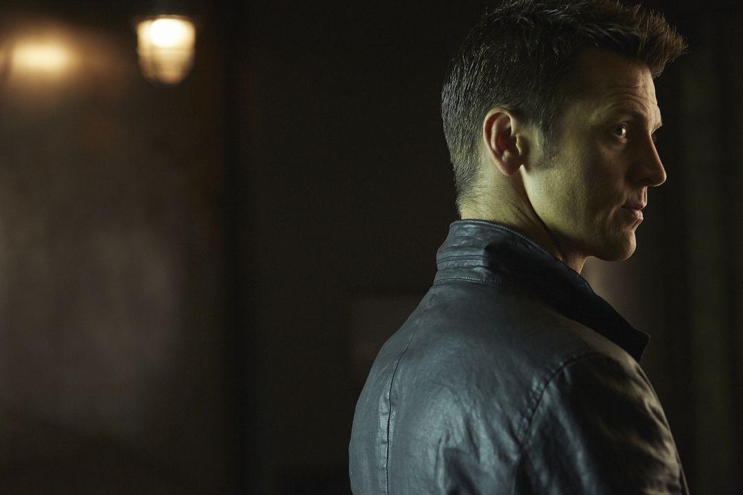 Was hat Aleister (Sean Rogerson) zu dem eiskalten Mann gemacht, der er jetzt ist? - Bildquelle: 2015 She-Wolf Season 2 Productions Inc.