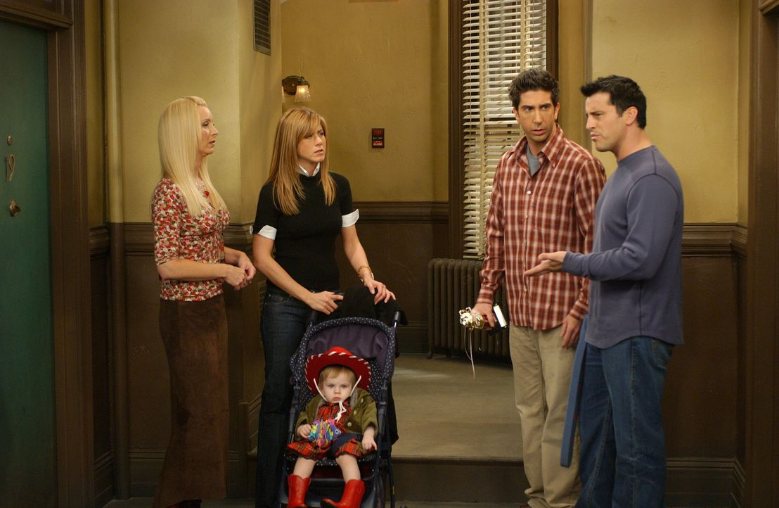 Nach einem unerwarteten Anruf lässt Monica ihre Freunde Joey (Matt LeBlanc, r.), Ross (David Schwimmer, 2.v.r.), Rachel (Jennifer Aniston, 2.v.l.) u... - Bildquelle: 2003 Warner Brothers International Television