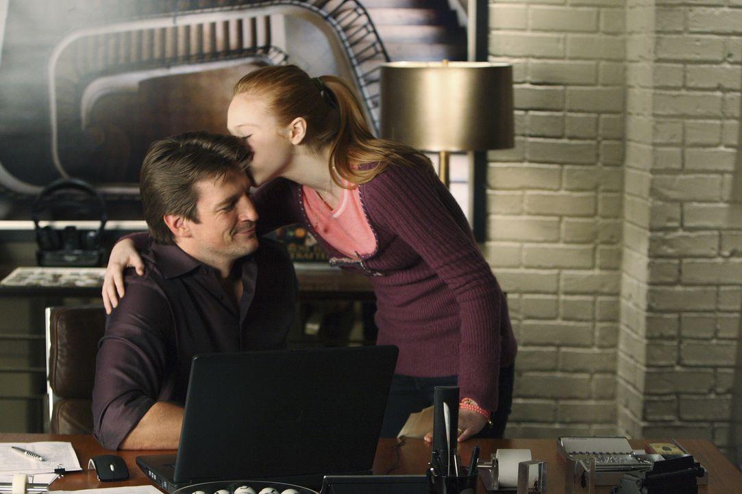 Alexis (Molly C. Quinn, r.) hat ihren Vater Richard Castle (Nathan Fillion, l.) längst durchschaut, was die Polizistin Kate Beckett betrifft. - Bildquelle: 2008 American Broadcasting Companies, Inc. All rights reserved