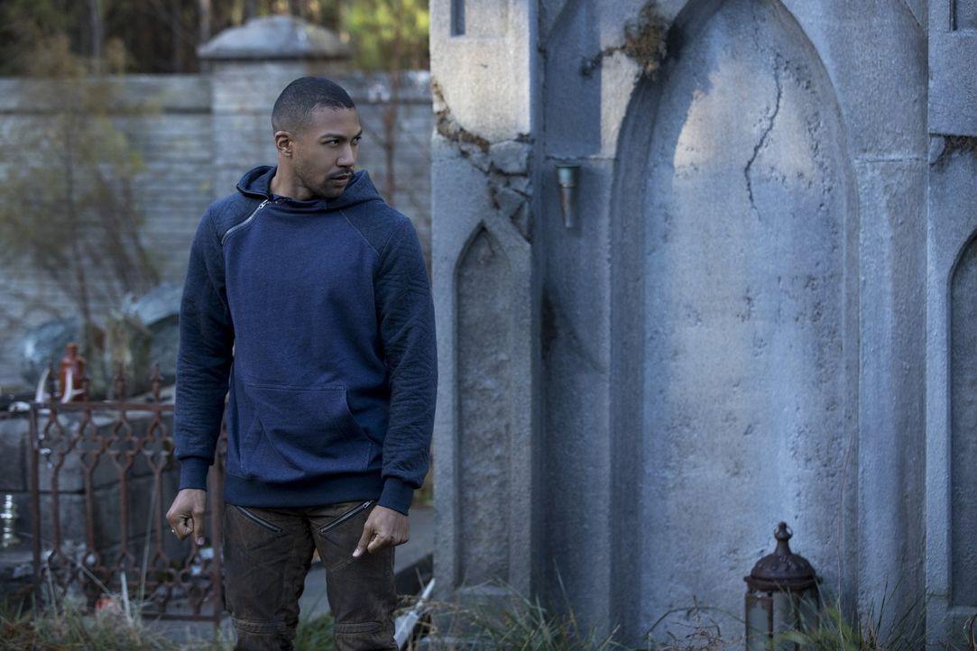 Noch ahnt Marcel (Charles Michael Davis) nicht, dass ihr Kampf gegen das Hollow ganz anders verlaufen wird, als sie sich alle erhoffen ... - Bildquelle: 2016 Warner Brothers
