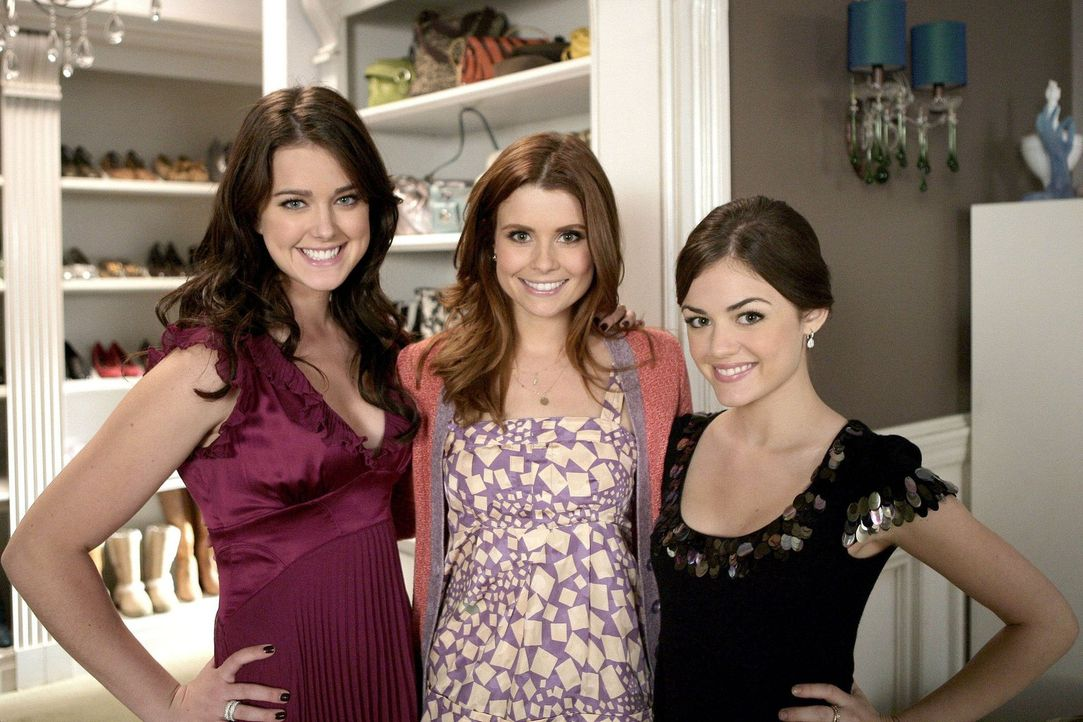 Haben viele schier unlösbare Probleme: Megan Smith (Joanna Garcia, M.), Sage (Ashley Newbrough, l.) und Rose (Lucy Hale, r.) ... - Bildquelle: Warner Bros. Television