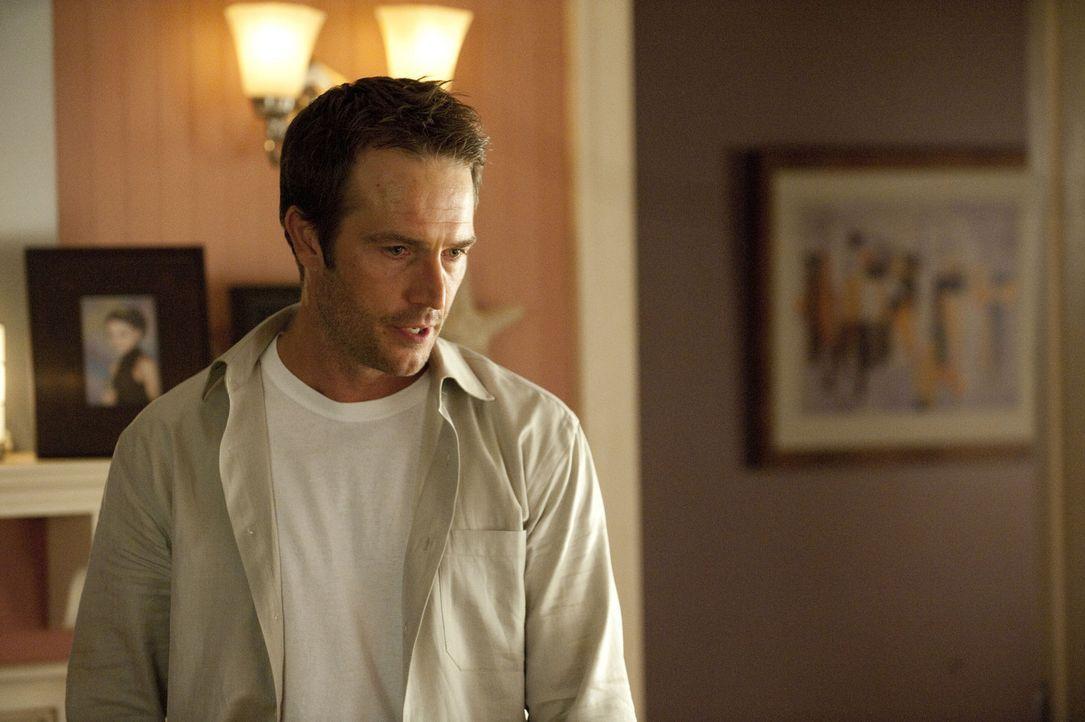 Als Tom (Michael Vartan) erfährt, dass Christina die Nacht in Nicks Haus verbracht hat, ist er außer sich vor Wut ... - Bildquelle: 2011 Sony Pictures Television Inc. All Rights Reserved.