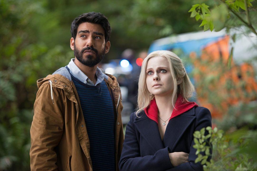 Ravi (Rahul Kohli, l.) und Liv (Rose McIver, r.) ahnen nicht, dass der Verzehr von Gehirnen auch noch eine weitere verwirrende Auswirkung haben kann... - Bildquelle: Warner Brothers