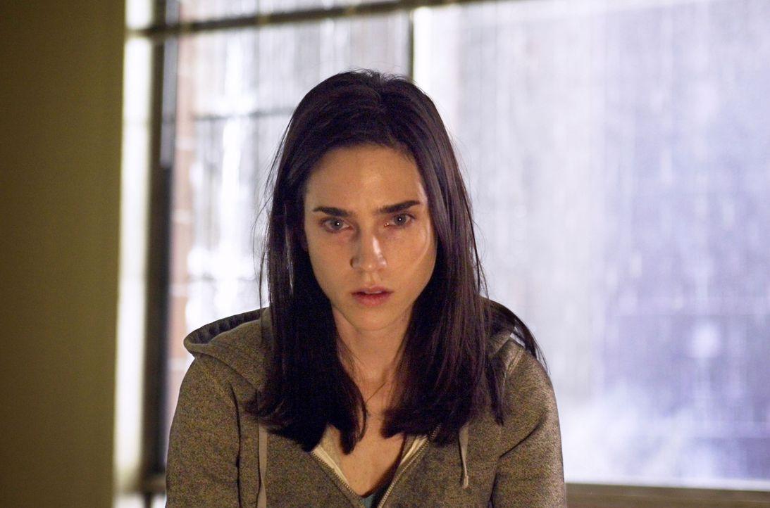Die bedrückende Aura des Hochhauses lässt Dahlia (Jennifer Connelly) immer tiefer in eine gefährliche Paranoia abdriften ... - Bildquelle: Buena Vista Pictures