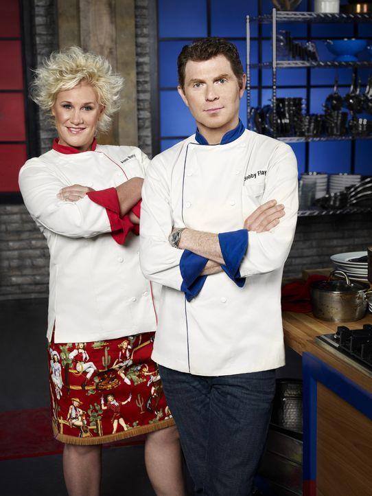 (3. Staffel) - Anne Burrell (l.) und Bobby Flay (r.) lassen die schlechtesten Hobbyköche gegeneinander antreten und hoffen, dass die Aufgabe und der... - Bildquelle: Michael Lavine 2011, Television Food Network, G.P. All Rights Reserved