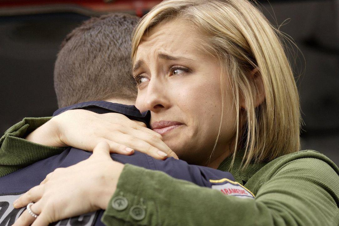 Durch Brainiacs Einfluss verliert Chloe (Allison Mack) sämtliche Erinnerungen - bis auf die an Davis ... - Bildquelle: Warner Bros.