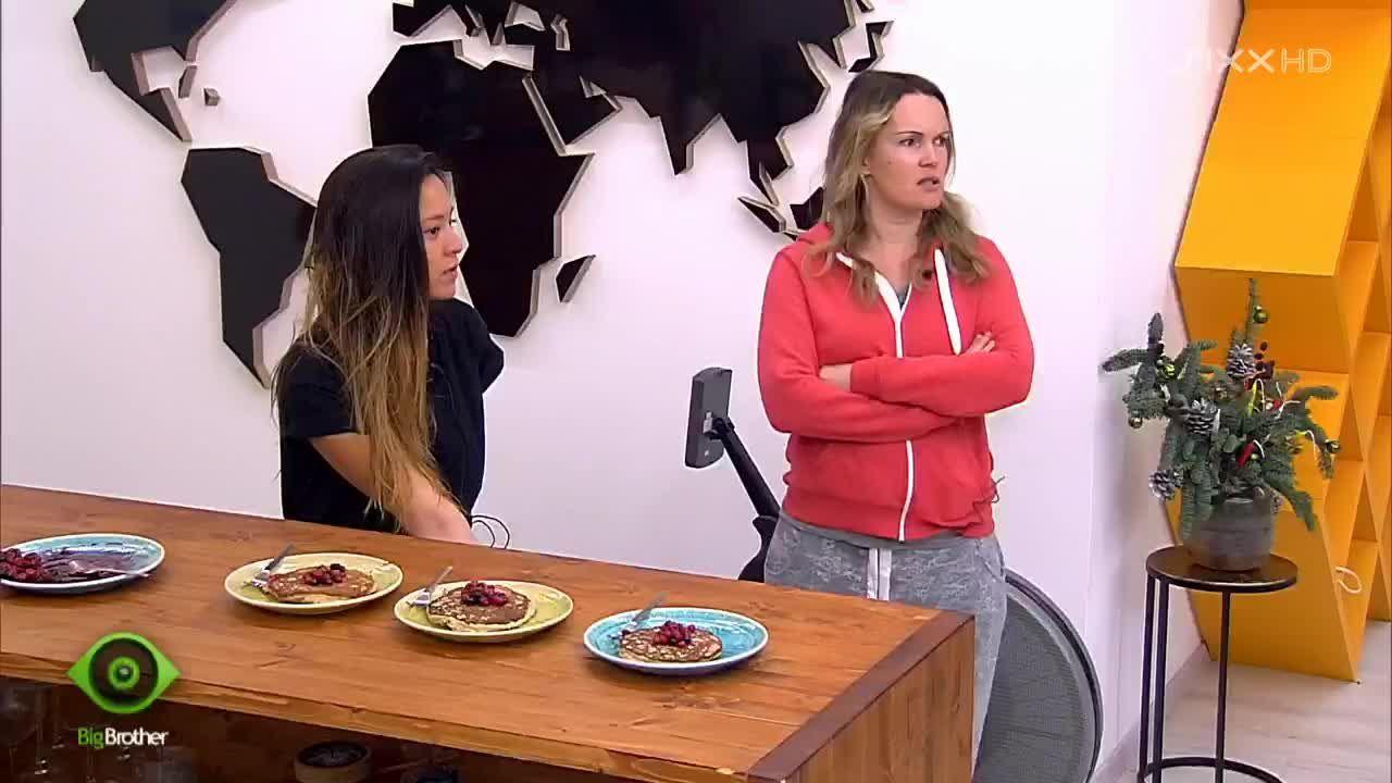 Bianca und Mary lästern - Bildquelle: sixx