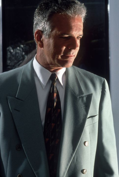 Kommt bei einem mysteriösen Flugzeugabsturz ums Leben: Nyles Dunlap (Tony Denison) ... - Bildquelle: Columbia Pictures